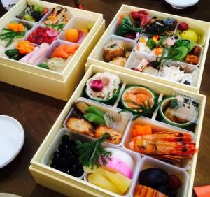 おせち料理をいれる重箱ごとの料理の種類と盛り付け詰め方(動画も)!