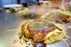 広島駅あたりでお好み焼きの美味しい人気店はどこ?